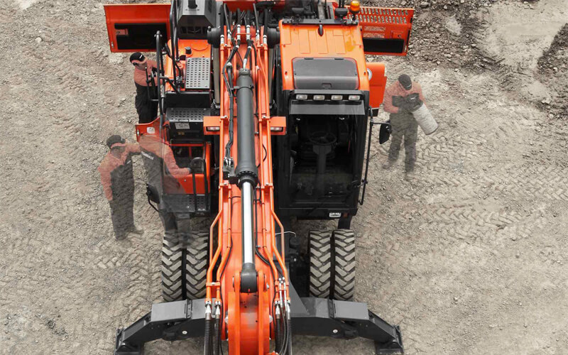 Wheeled Excavactors supporting image